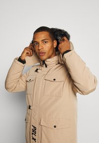 PARELLEX - GALACTIC TECH JACKET - Winterjas - sand - 5