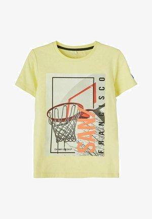 NKMDAMIRO  - Print T-shirt - yellow pear