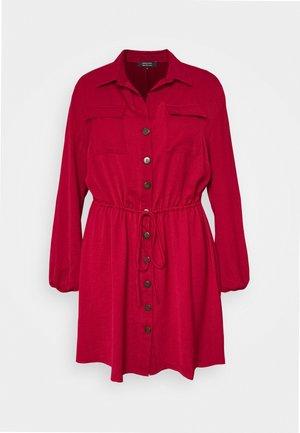 DRESS - Robe chemise - red