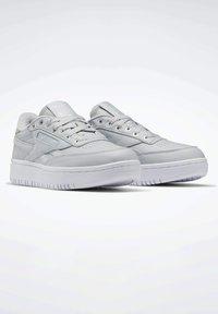 Reebok Classic - Sneakersy niskie - grey - 1