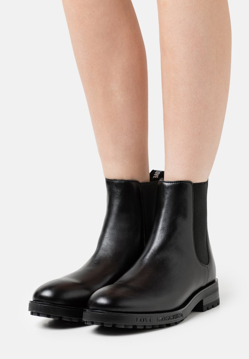 Love Moschino - Classic ankle boots - nero