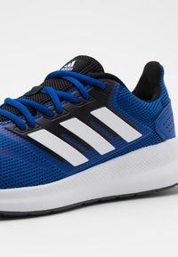 adidas Performance - RUNFALCON CLASSIC SPORTS RUNNING SHOES - Neutrale løbesko - royal blue/footwear white/core black - 5