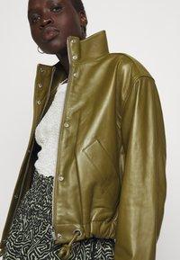 Proenza Schouler White Label - LIGHTWEIGHT DRAWSTRING WAIST JACKET - Leather jacket - military - 5