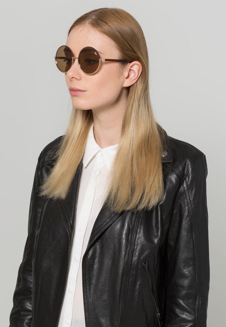 QUAY AUSTRALIA - CARA - Sunglasses - goldfarben/braun
