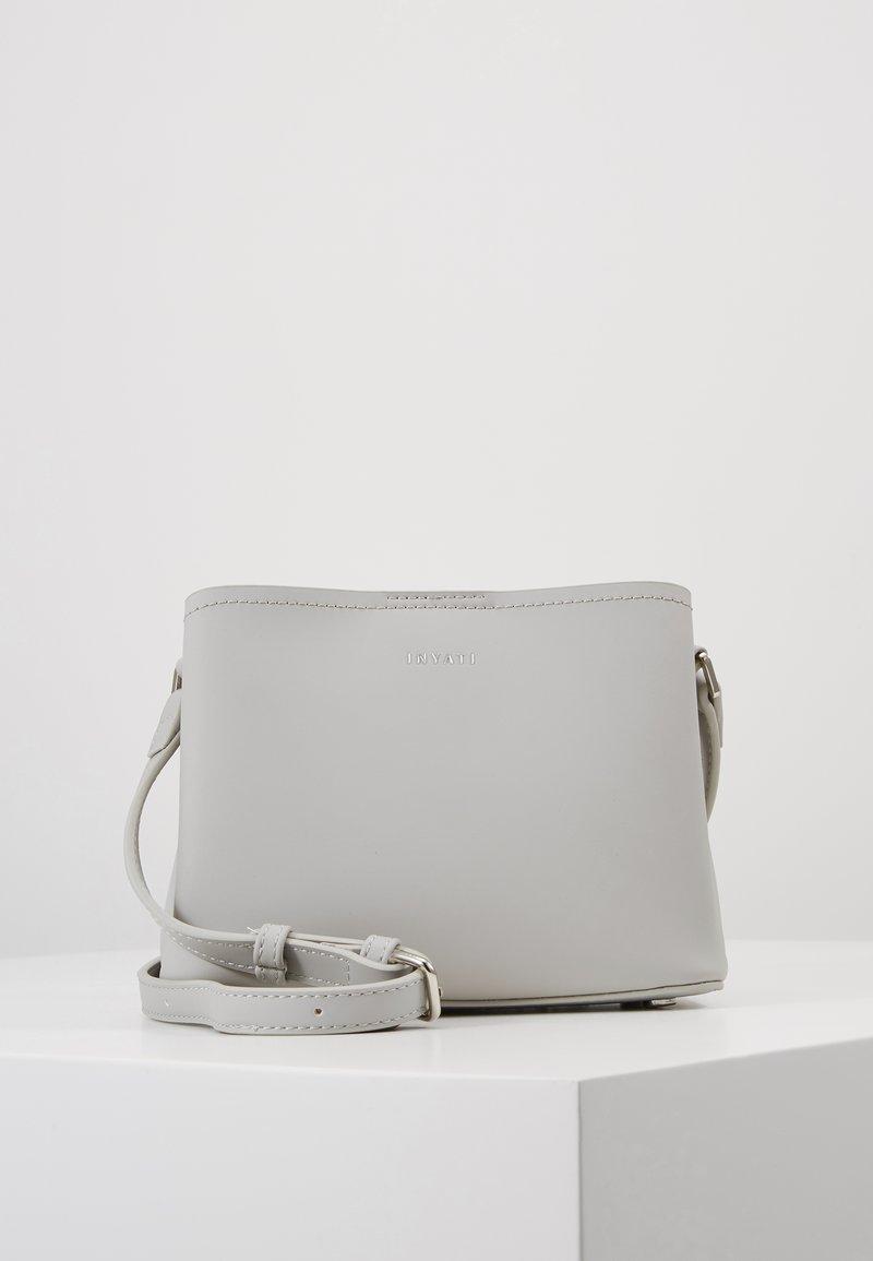 Inyati - LÉA - Across body bag - linnen grey