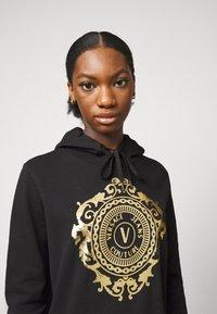 Versace Jeans Couture - Sweatshirt - black-gold - 3