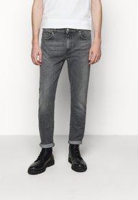 Won Hundred - DEAN - Slim fit jeans - clean black - 0