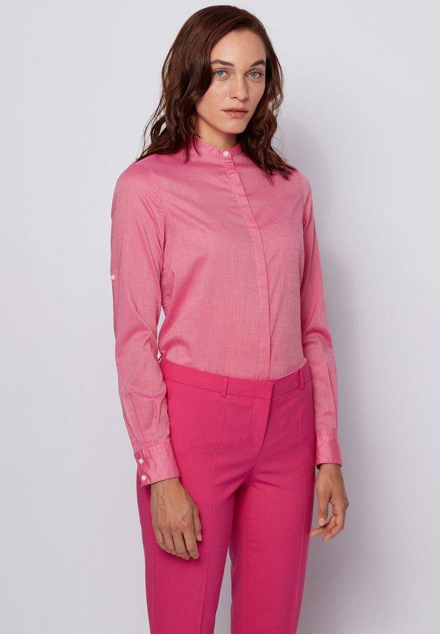 EFELIZE - Hemdbluse - pink
