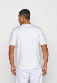 Caterpillar - BASIC POCKET CAT  - T-shirt basic - cream - 2