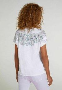 Oui - Print T-shirt - white green - 2