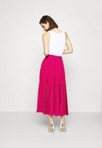 Guess - LUISA SKIRT - Pleated skirt - shocking pink - 2