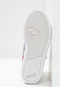 Hummel - SLIMMER STADIL - Sneakers hoog - white - 5