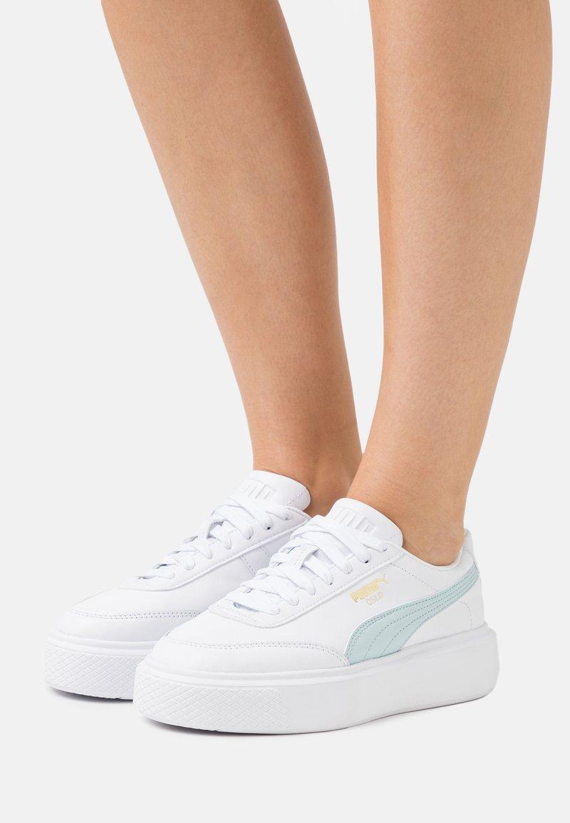Puma - OSLO MAJA  - Sneakers basse - white/blue glow