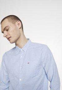 Hollister Co. - Camisa - light blue - 4