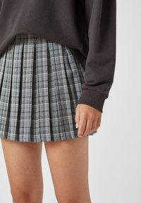 PULL&BEAR - A-snit nederdel/ A-formede nederdele - mottled grey - 3