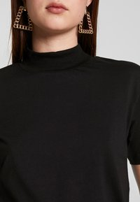 Even&Odd Tall - WITH WIDE COLLAR - Basic T-shirt - black - 5