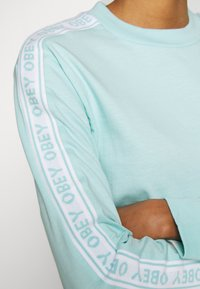 Obey Clothing - SONIC CREW - Long sleeved top - sky high - 4