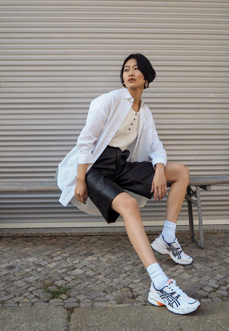 Selected Femme - SLFAMI LON - Button-down blouse - bright white