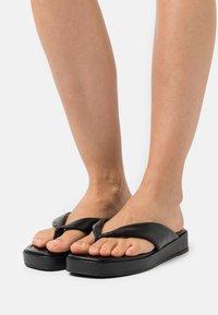 Dune London - LONGISLAND - Sandály s odděleným palcem - black - 0
