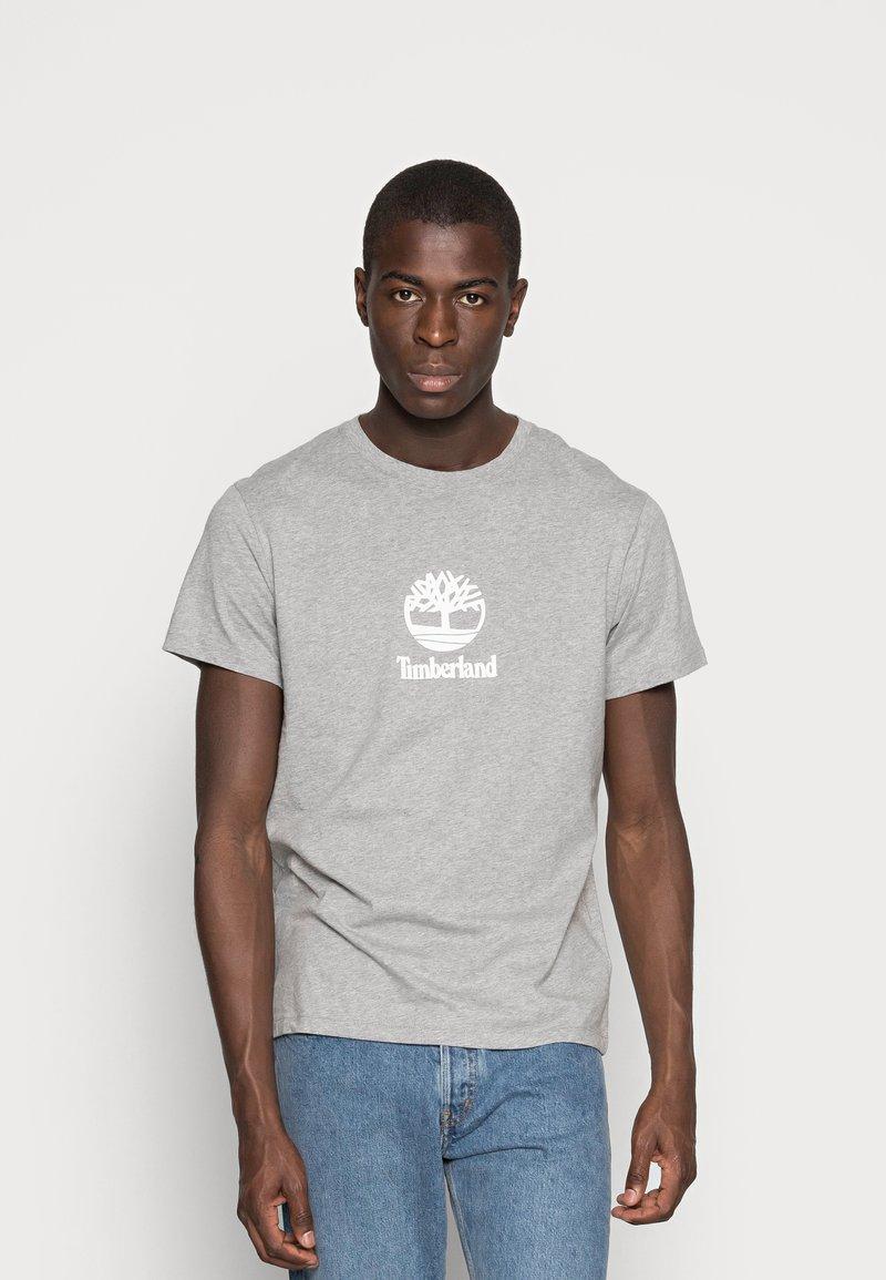 Timberland - STACK LOGO TEE - T-shirt con stampa - medium grey heather
