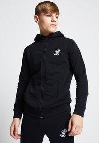 SIKSILK - ILLUSIVE LONDON  - Zip-up hoodie - black - 0