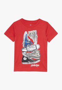Converse - STACKED REMIX TEE - Print T-shirt - university red - 0