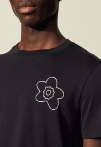 sandro - FLOWER TEE - Print T-shirt - marine - 4