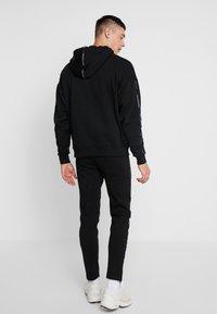 Good For Nothing - FUTURE PANT - Pantalon de survêtement - black - 2