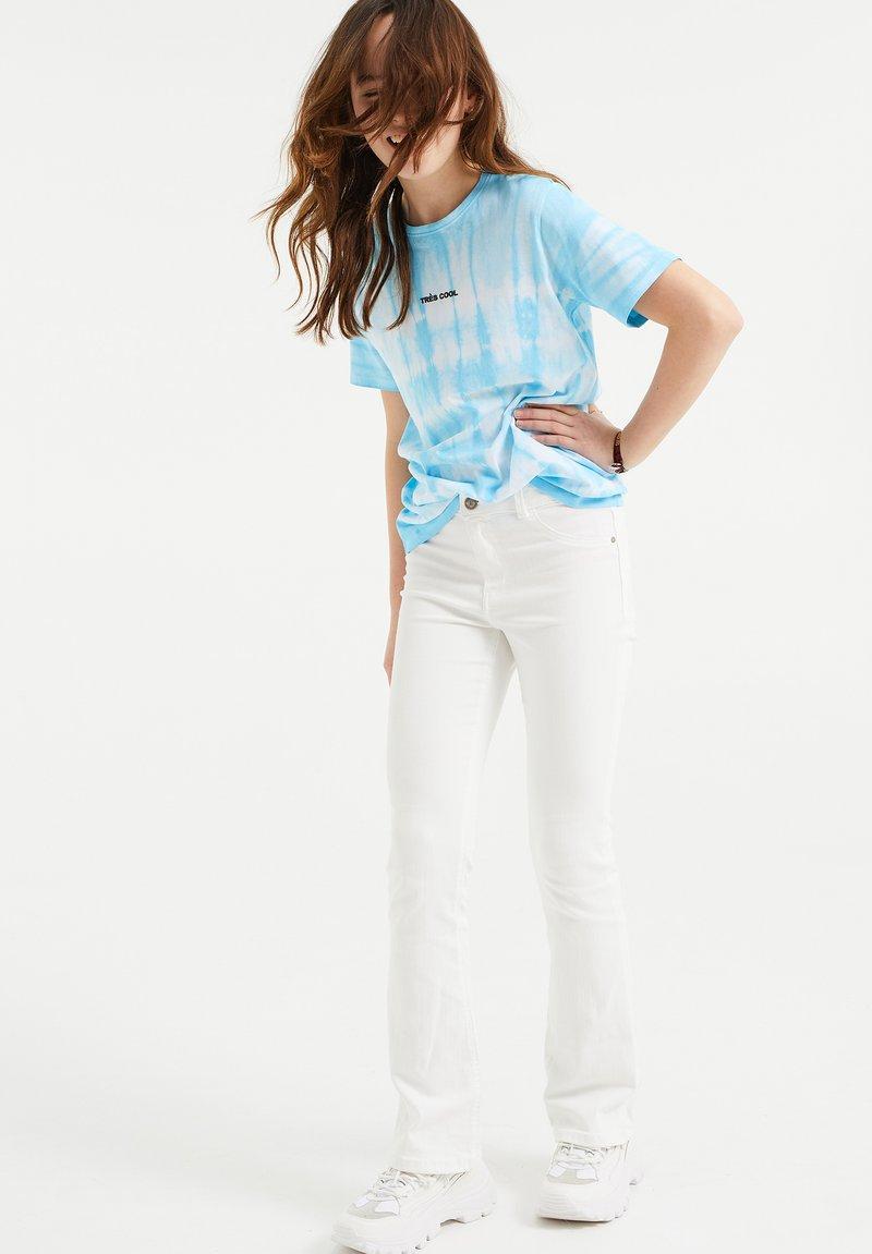 WE Fashion - Triko spotiskem - light blue