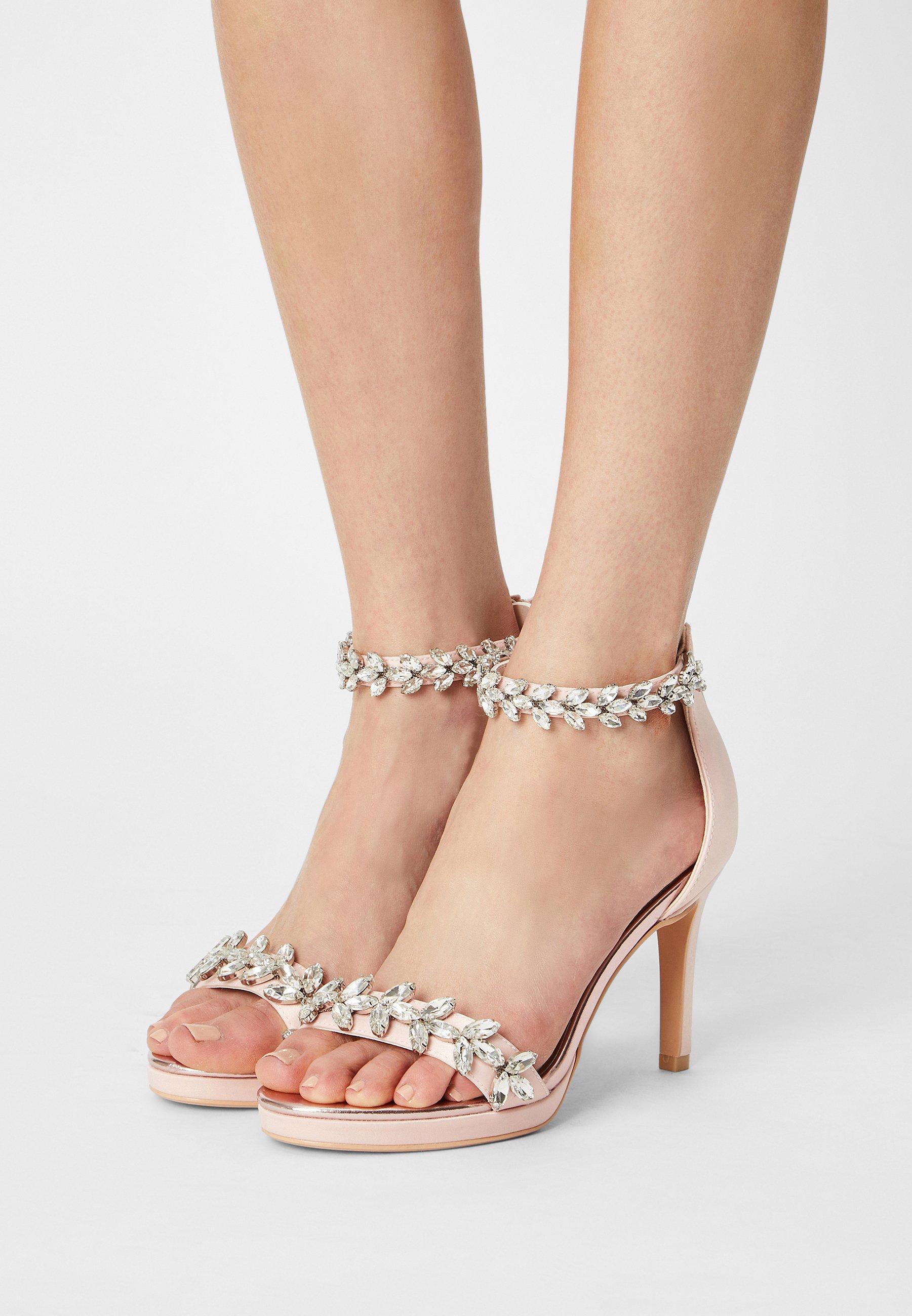 Women PIA - Sandals