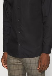 Jack & Jones PREMIUM - JPRBLAROYAL - Formal shirt - black - 5