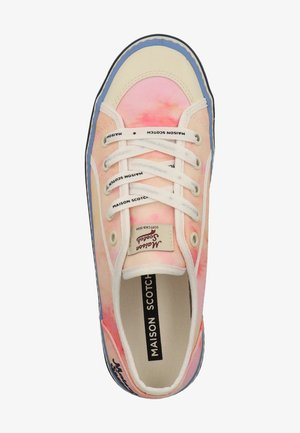 Sneakers - watercolour pink s560