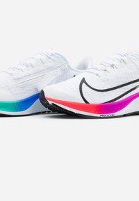 Nike Performance - AIR ZOOM PEGASUS 37 FLYEASE - Neutral running shoes - white/flash crimson/hyper violet - 5