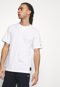 Champion - LEGACY CONTEMPORARY MODERN CREWNECK  - T-shirt basic - white - 3