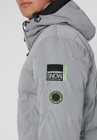 Superdry - SNOW SHADOW  - Skidjacka - carbomised grey - 8