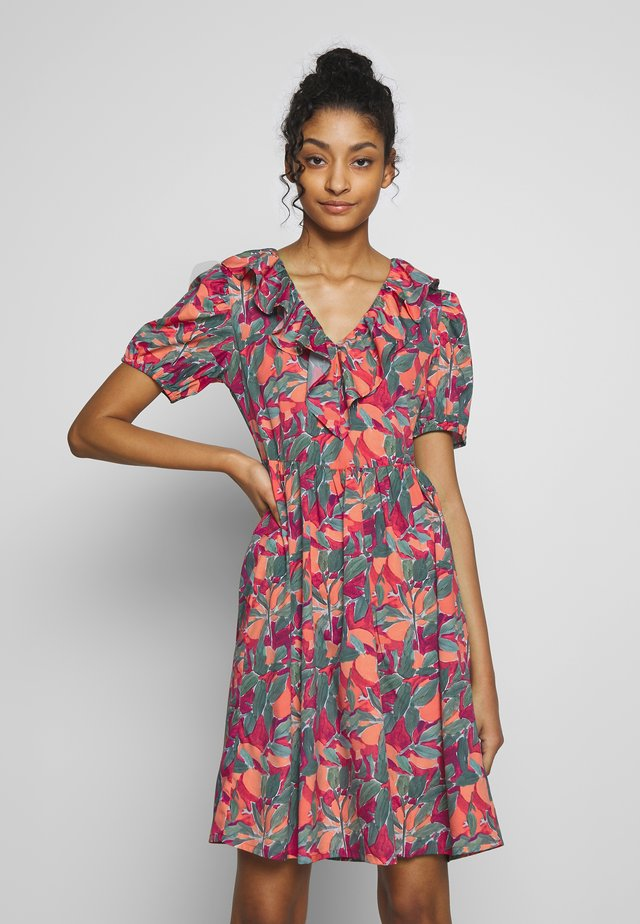FRILL DETAIL MINI DRESS - Denní šaty - orange mix