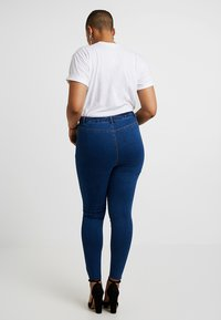 Missguided Plus - LAWLESS HIGHWAISTED SUPERSOFT - Jeansy Skinny Fit - blue - 2
