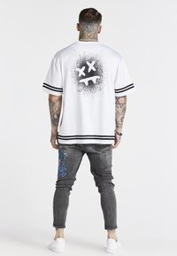 SIKSILK - AOKI DROP CROTCH EMBROIDERED - Jeans Tapered Fit - snow wash - 2
