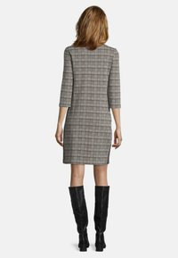 Betty Barclay - Shift dress - schwarz/braun - 1