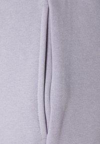 CLOSURE London - BLOCK SCRIPT - Shorts - lilac - 5