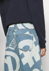 MOSCHINO - TROUSERS - Denim shorts - fantasy blue - 7