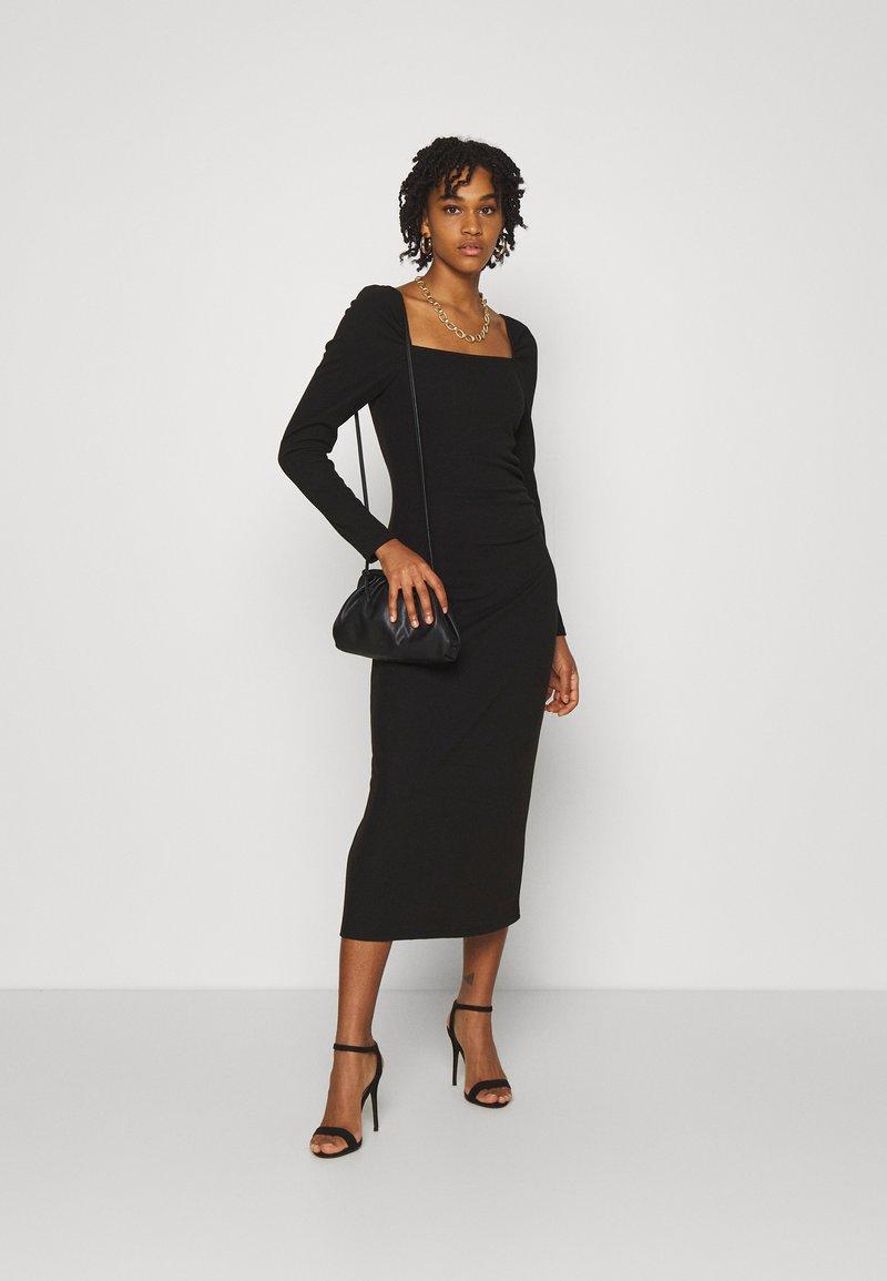 YASZALIA MIDI DRESS   Jerseykleid   black