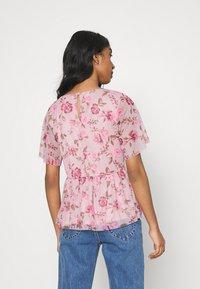 Vila - VIMIRANDA - Print T-shirt - cream pink/rose - 2