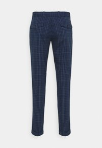 Tommy Hilfiger Tailored - DENTON ACTIVE POW CHECK TURN UP - Trousers - desert sky - 7