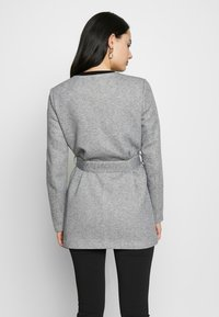 ONLY - ONLSEOUL LIGHT COAT  - Krátký kabát - light grey melange - 2