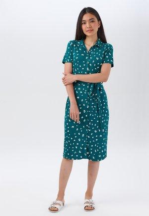 LISA JUNGLE LEOPARD JERSEY - Shirt dress - green