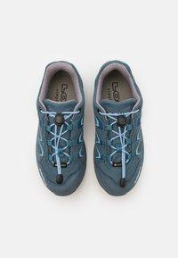 Lowa - INNOX EVO GTX JUNIOR UNISEX - Trekingové boty - jeans - 3
