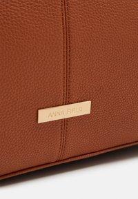 Anna Field - Weekend bag - cognac - 3
