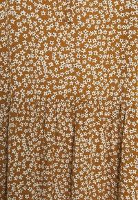 Selected Femme - SLFFRAJA MADISON ANKLE DRESS E - Denní šaty - glazed ginger - 2