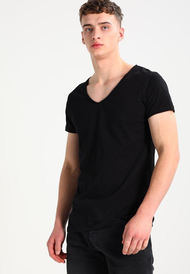 MALIK - Basic T-shirt - black